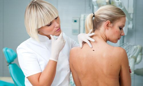Осмотр тела на нахождение лимфомы